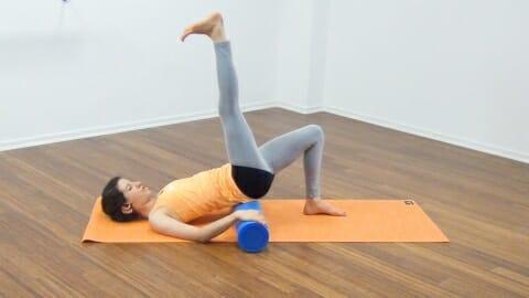 Bauchmuskeltraining mit der Pilates Rolle 17