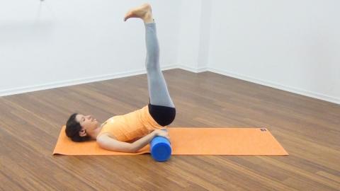 Bauchmuskeltraining mit der Pilates Rolle 21