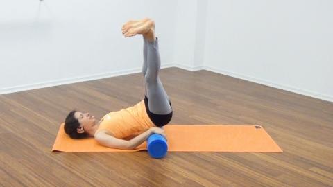 Bauchmuskeltraining mit der Pilates Rolle 22