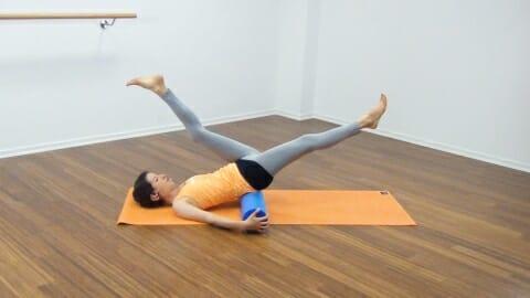 Bauchmuskeltraining mit der Pilates Rolle 24