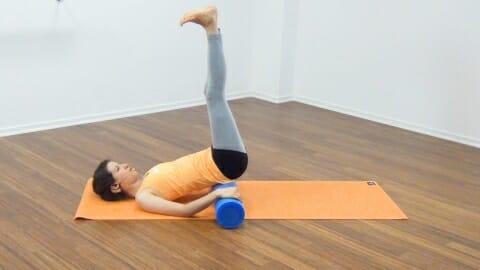 Bauchmuskeltraining mit der Pilates Rolle 20