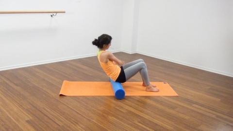Bauchmuskeltraining mit der Pilates Rolle 6