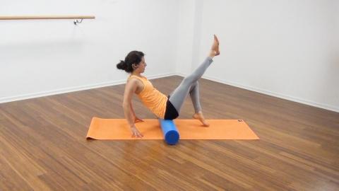 Bauchmuskeltraining mit der Pilates Rolle 9