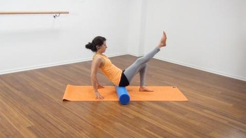 Bauchmuskeltraining mit der Pilates Rolle 10