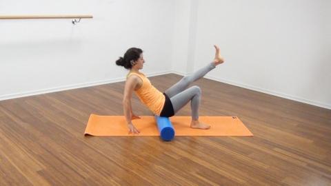 Bauchmuskeltraining mit der Pilates Rolle 11
