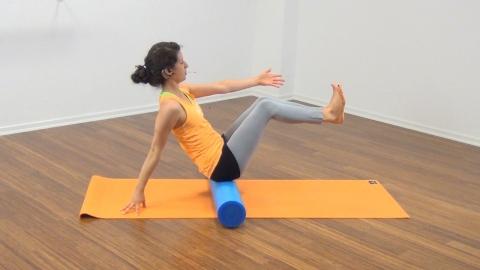 Bauchmuskeltraining mit der Pilates Rolle 12