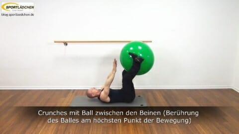 Crunches mit Ballberuehrung 6a