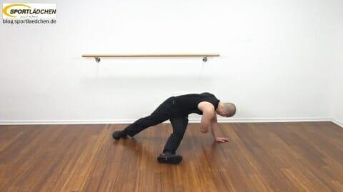 core-trainingseitstuetz-unteres-bein-ausgestreckt-mit-rotation-4