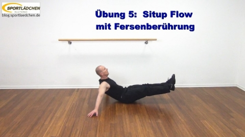 core-training-situp-flow-mit-fersenberuehrung-1