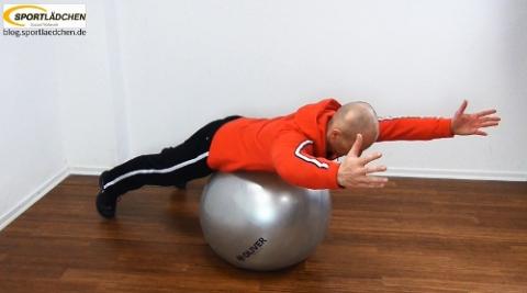 Beispiel für Gymnastikball Uebungen - Rücken - Kräftigung- Stabilisation
