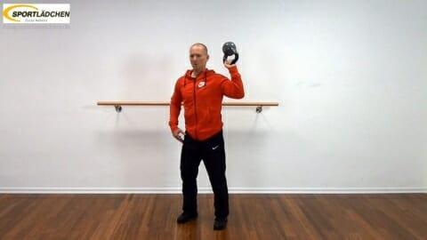 Kniebeuge mit Kettlebell in einer Hand 1.JPG