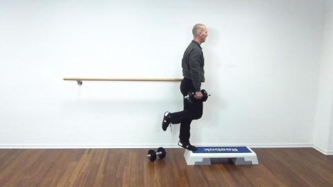 kh-wadenheben-stehend-einbeinig2