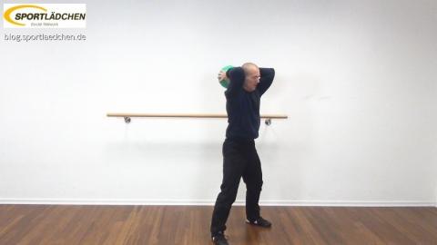 medizinball-core-fitness-trizepcurl-1