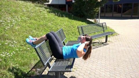 Parkbank Workout Crunches A 2
