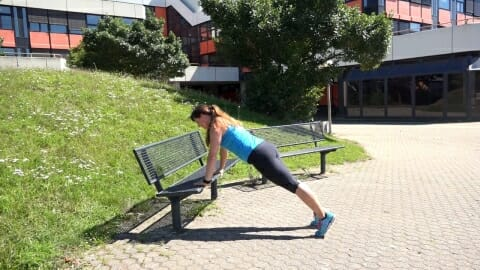 Parkbank Workout Kombi Push ups Dips 3