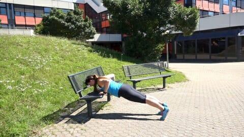 Parkbank Workout Kombi Push ups Dips 4