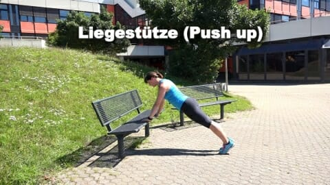Parkbank Workout Liegestuetze 1