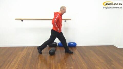pezzi-mini-ball-einbeinige-kniebeuge-1