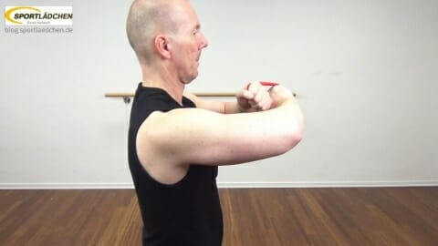 rubberband-cross-brusttraining-1