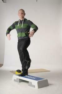 Step Aerobic für die Mittelstufe und Fortgeschrittenen