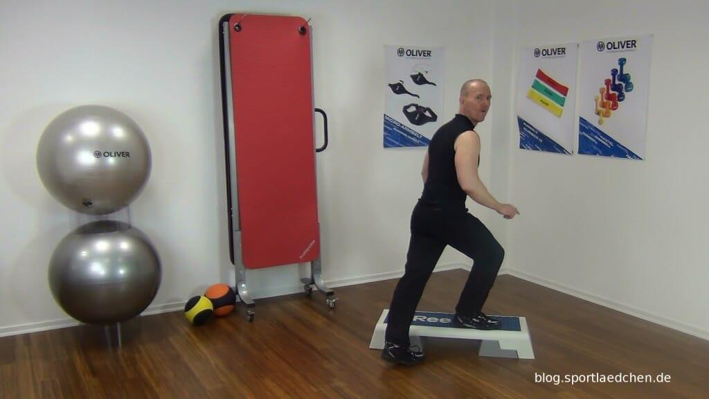 Typischer Step Aerobic Schritt Bild 1