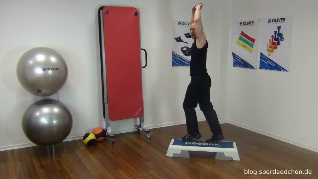 Typischer Step Aerobic Schritt Bild 3