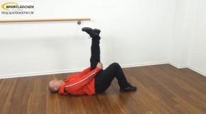 Dehnübungen | Hier: Rückseite Oberschenkel dehnen