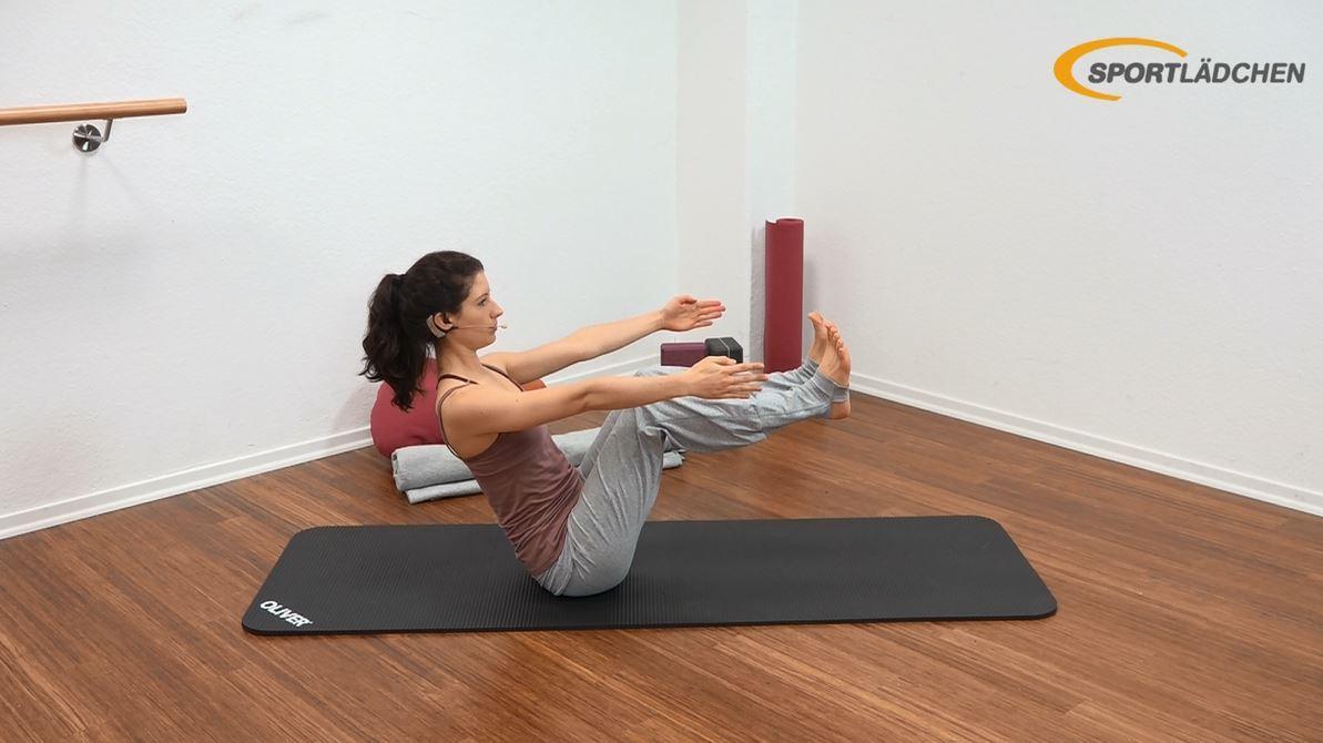 Yoga für den Bauch Anfänger Übung Navasana (Boot) Variation