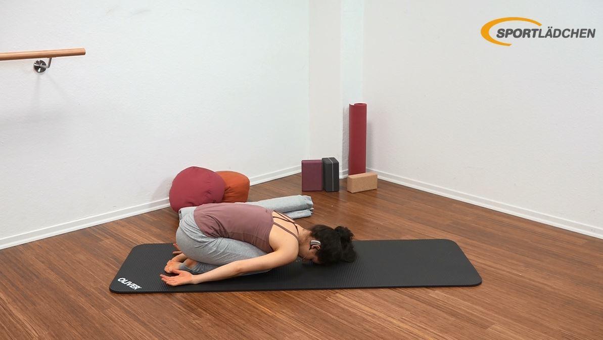 Yoga für den Bauch - Anfänger - Entspannung - Balasana (Stellung des Kindes)
