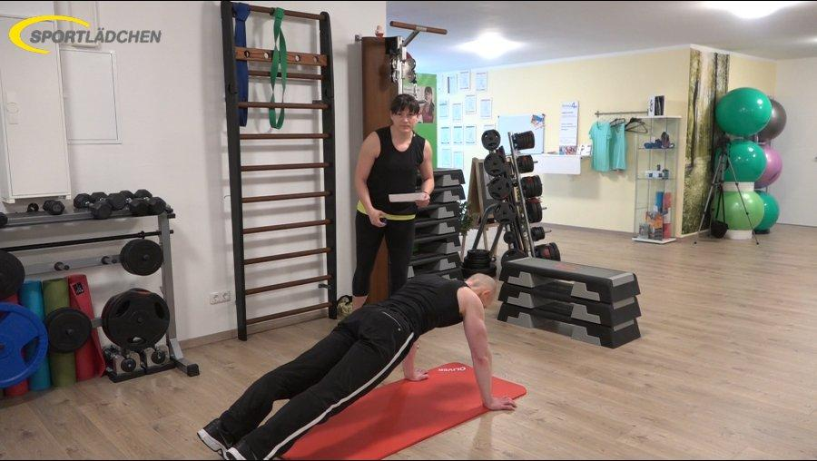 7 Minuten Workout Liegestuetz Push up mit Rotation 1