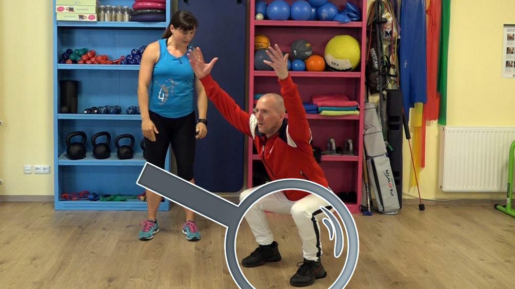 Kniebeuge Tutorial: Technik und richtige Ausführung, hier mit erhöhten Fersen