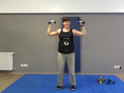 Hantel Workout Schulterdruecken 4a