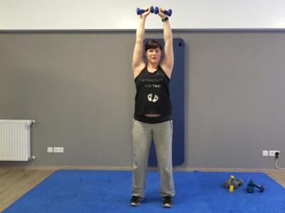 Hantel Workout Schulterdruecken 4b