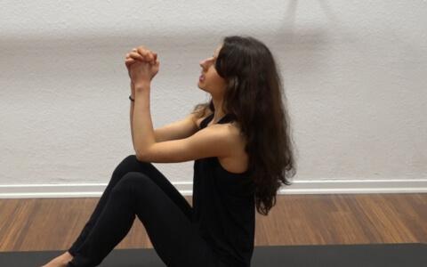 Yoga Core Kali Mudra 2