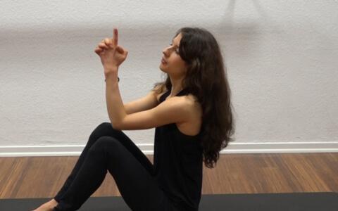 Yoga Core Kali Mudra 1