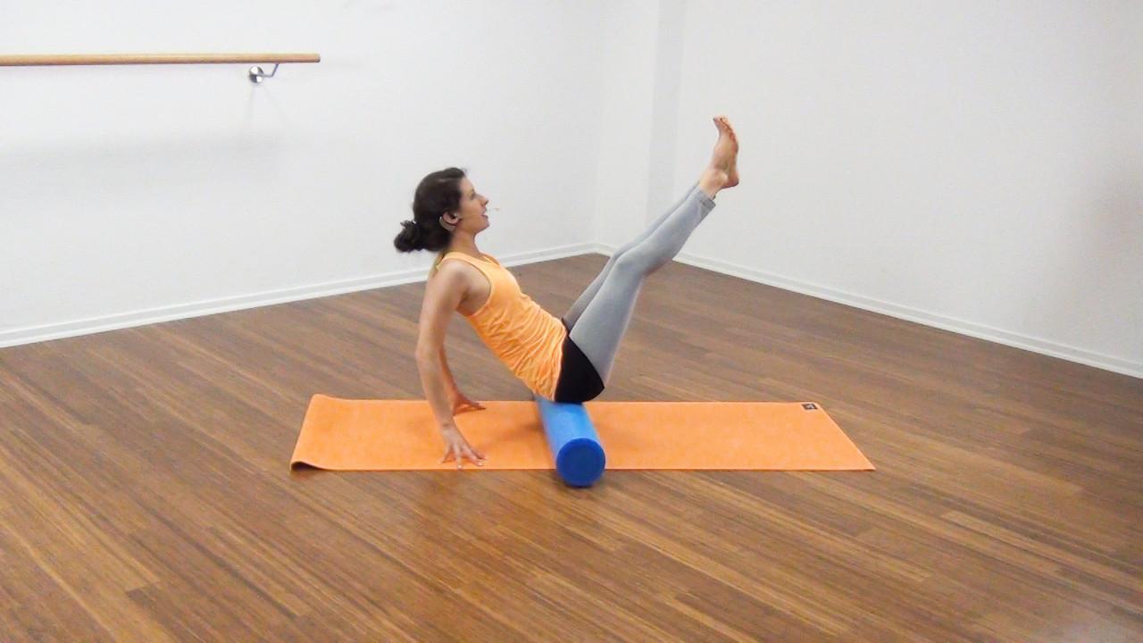 Bauchmuskeltraining mit der Pilates Rolle Bild 7