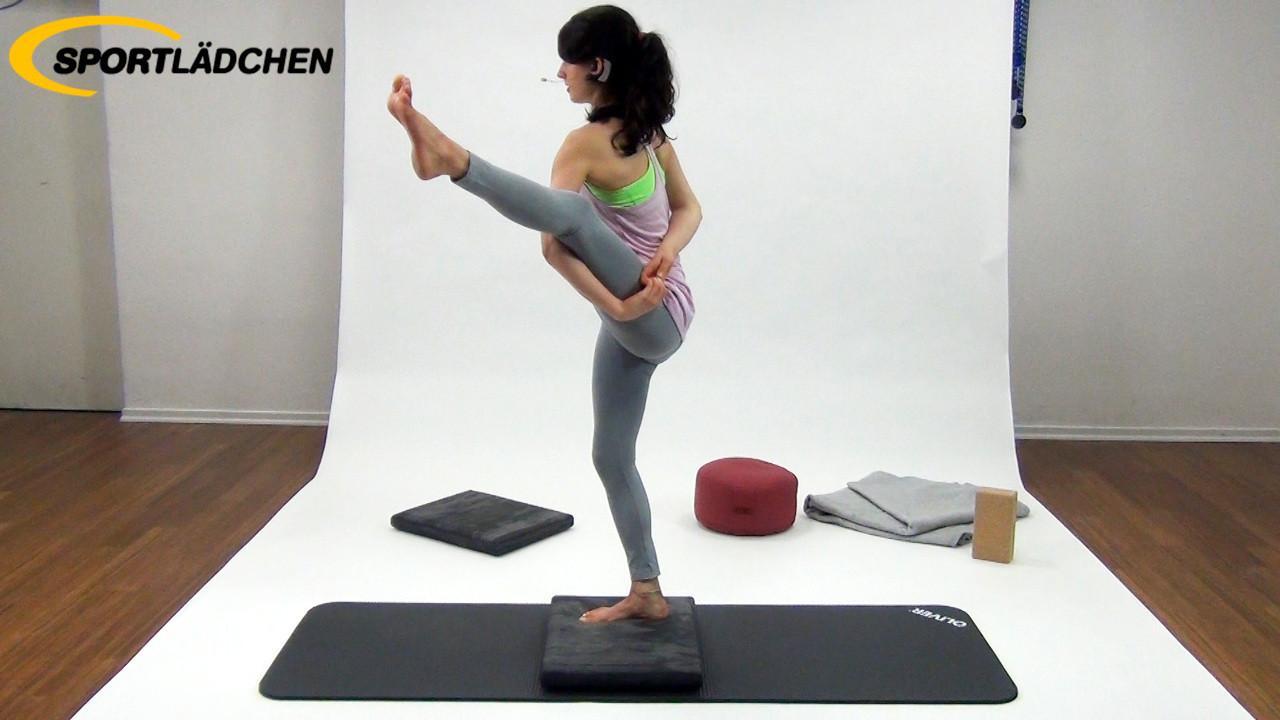 Yoga im Stehen Übung 6: Einbeinstand Variante 2