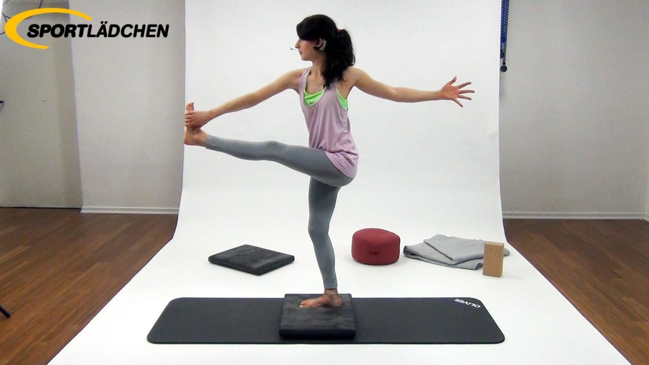 Yoga im Stehen Übung 4: Einbeinstand Variante 1