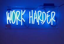 """Neon Schriftzug """"Work harder"""""""