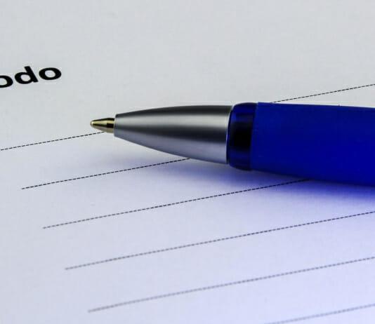To Do Liste mit Kugelschreiber