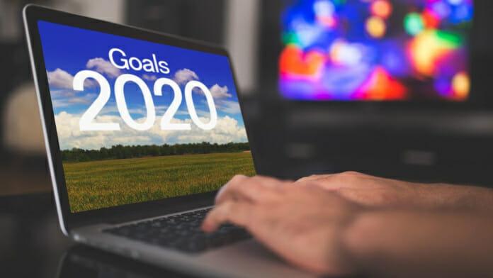Laptop mit Text auf dem Bildschirm