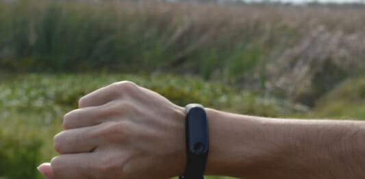 Fitness Tracker am Handgelenk