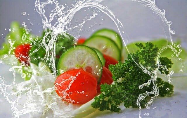 Leckerer Tomaten-Gurkensalat