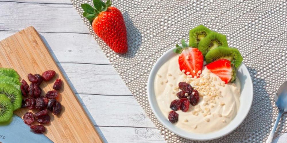 Gesunde Fitness Snacks: Obst, Trockenobst und Milchreis