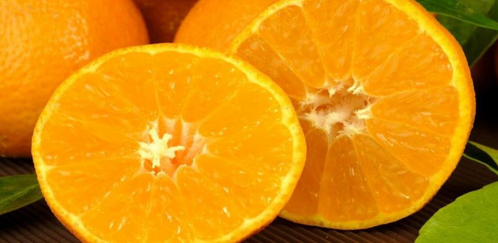 mandarine halbiert