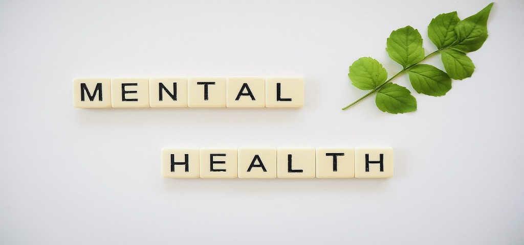 Scrabble Würfel mit zusammengefügten Wörtern: Mental Health