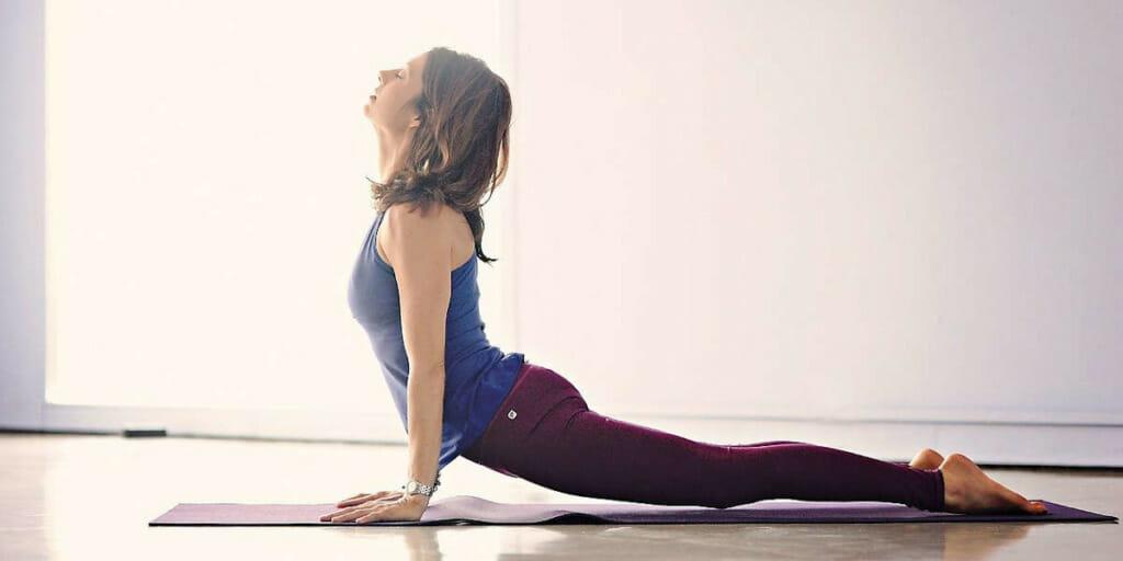Auch Yoga kann dazu verwendet werden, um Entspannungstechniken in seinen Alltag zu integrieren